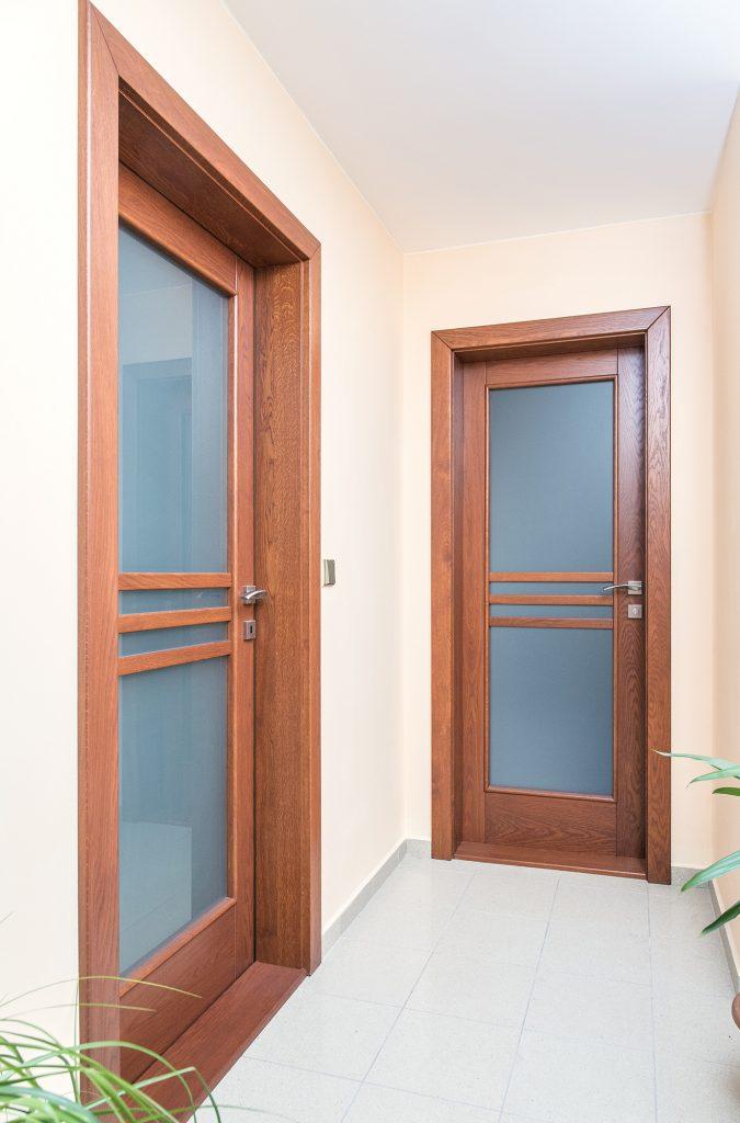 Dveře, rok: 2009